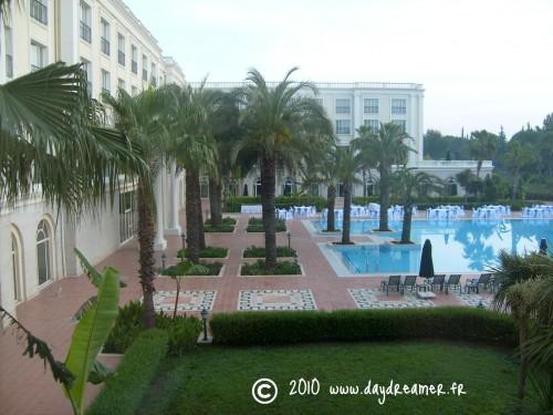 hôtel 1 pool.jpg